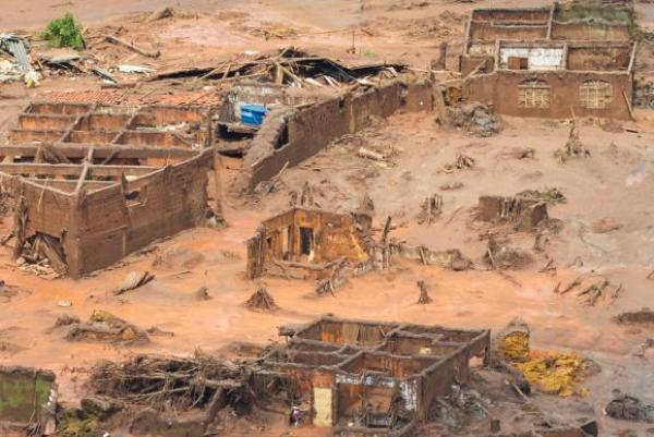 Vale adulterou dados sobre lama em barragem após tragédia, diz PF
