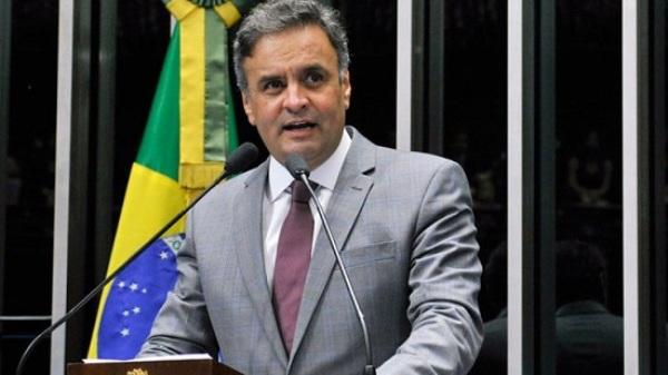 Menos de 24 horas depois de abrir inquérito contra Aécio, Gilmar suspende investigações