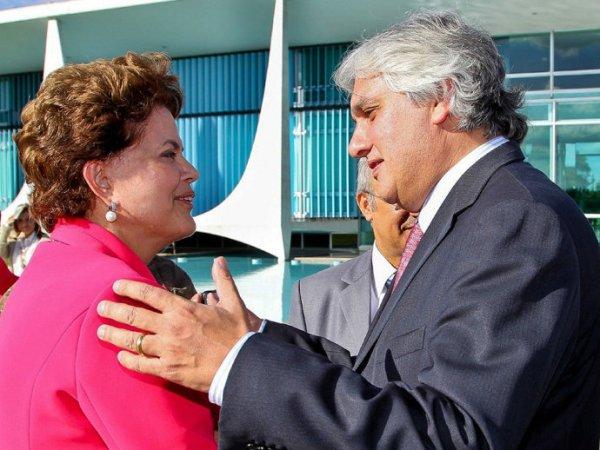 Dilma e Lula sabiam da corrupção na Petrobrás, diz Delcídio