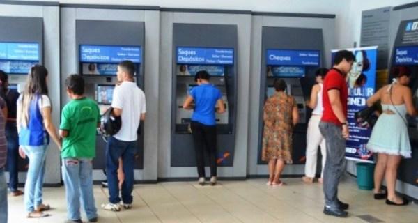 Agências bancárias funcionam normalmente nesta sexta