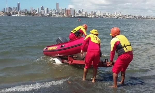 Bombeiros mantém buscas por jovem desaparecida no litoral
