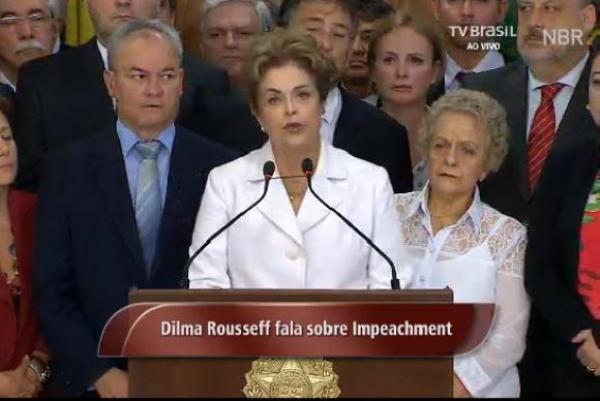 Após ser notificada do afastamento, Dilma diz que vai continuar lutando até o fim