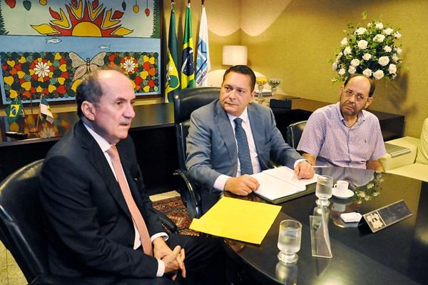 Presidente da Assembleia recebe anteprojeto do TJRN para construção de presídio