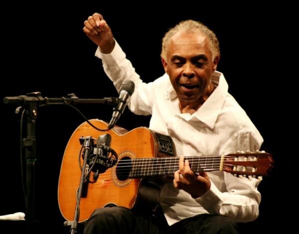 Cantor Gilberto Gil volta a ser internado em hospital de São Paulo