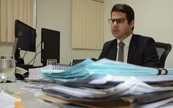 Juiz pede bloqueio de R$ 30,8 milhões para pagamento de precatórios do governo do estado