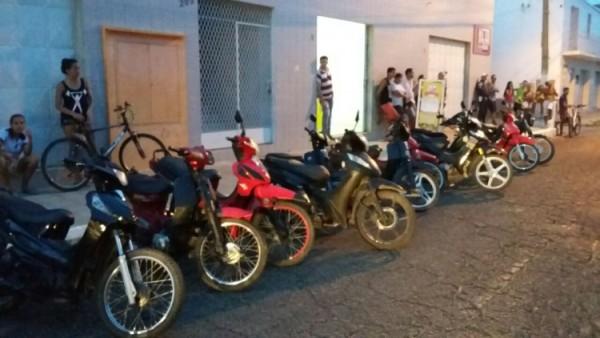 CPRE realiza operação e apreende 17 veículos irregulares em Natal e Caicó