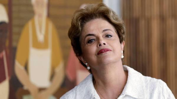 Dilma diz que Jucá 'escancarou' estratégia para 'deter Lava Jato'