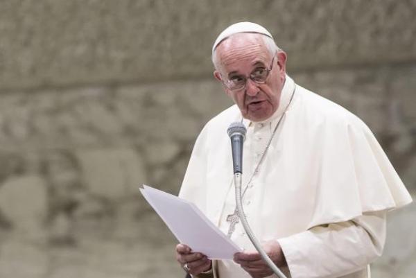Papa Francisco pede que as pessoas escutem e acolham os refugiados