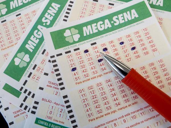 Apostador leva sozinho R$ 2,6 milhões na Mega-Sena; veja as dezenas