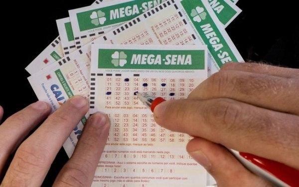 Mega-Sena acumulada pode pagar prêmio de R$ 13 milhões neste sábado