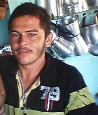 Leonardo Dênis foi morto com cutilada de faca peixeira.