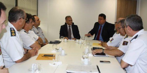 Momento da reunião entre Sesed e representantes do quadro de saúde da PM. (Foto: Assessoria de Comunicação Secretaria Segurança).