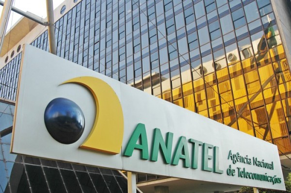 Polêmica longe de acabar: Anatel não vai impedir empresas de limitar internet fixa