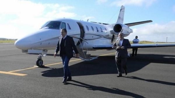 Avião de Eduardo Campos leva PF a caixa 2 de empreiteiras
