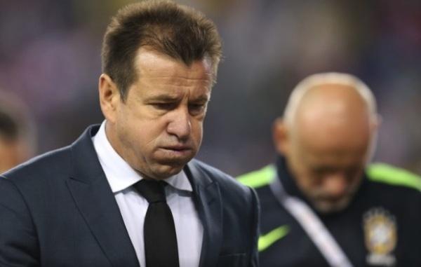 Após reunião na CBF, Dunga é demitido do comando da Seleção
