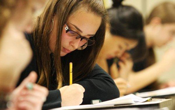 Estudantes têm até hoje para se inscrever no Fies