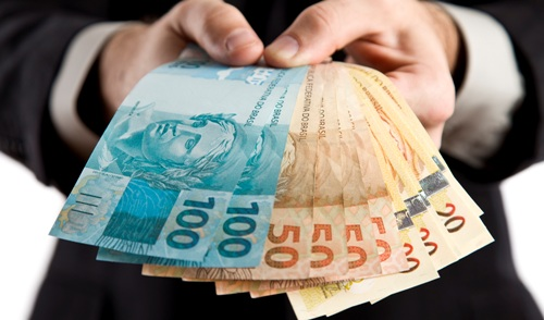 Receita libera pagamento de restituições do primeiro lote do IR 2016