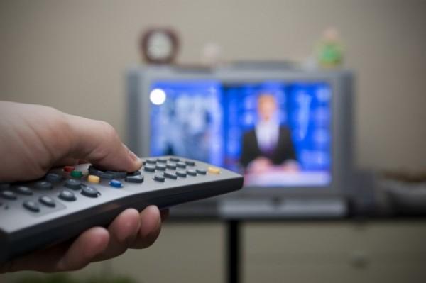 Pré-candidatos não poderão apresentar programas de rádio e TV a partir de hoje