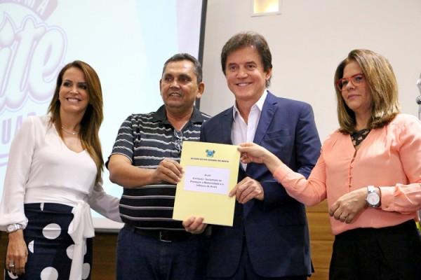 Programa Leite Potiguar vai beneficiar 78 mil pessoas no RN