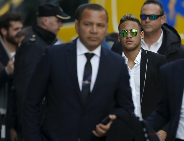 Neymar sai em defesa de seu pai, diante de problemas com a Justiça espanhola (Foto: Reuters)