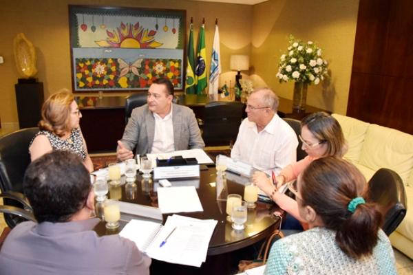 Ezequiel Ferreira mobiliza força-tarefa em prol do Hospital de Currais Novos