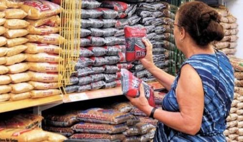 Preço do feijão subiu 58,72% em junho, diz FGV