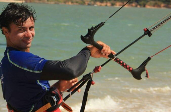 Bombeiros localizam corpo de surfista desaparecido em Tibau do Sul