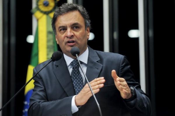 Aécio diz que PSDB pode abrir mão de presidência da Câmara por apoio em 2017