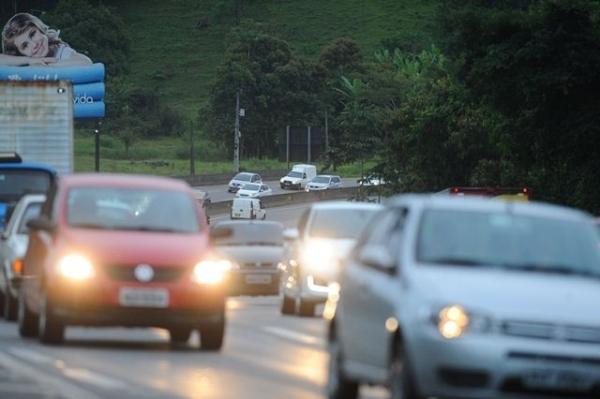 Multas por não utilizar farol baixo em rodovias serão 'perdoadas' pelo GDF