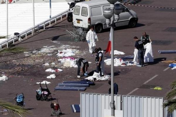 França vai combater Estado Islâmico em qualquer lugar, diz ministro da Defesa