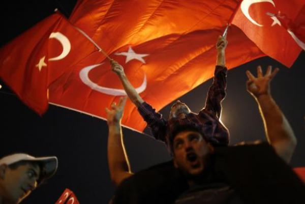 Polícia turca recebe ordem para abater helicópteros sem aviso prévio