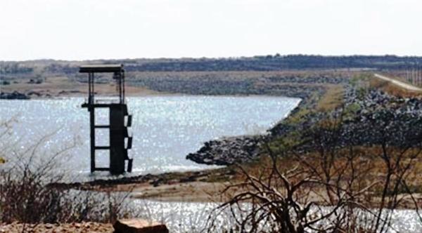 PREOCUPANTE: Barragem Armando Ribeiro atingiu 17% de sua capacidade; Dourado tem pouco mais de 35%