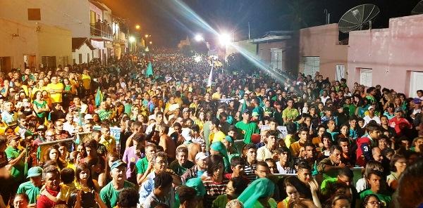 CAMPO REDONDO: Milhares de pessoas vão as ruas confirmar que estão com o Doutor e Silvânia