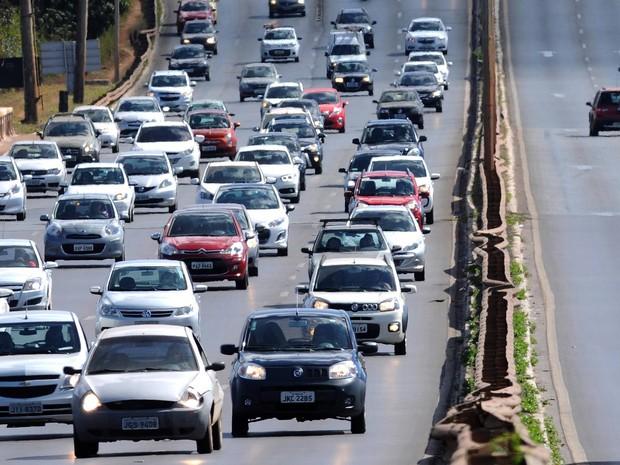 Justiça Federal suspende multa por farol desligado nas rodovias do país
