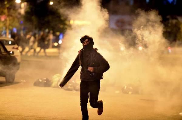 Protesto contra Temer termina em confusão em SP; manifestantes pedem novas eleições