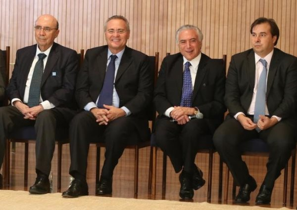 O presidente Michel Temer se reuniu pela primeira vez com parlamentares e ministros após o impeachment