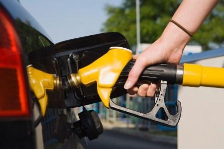 MILAGRE: Petrobras aprova redução de preços de diesel e gasolina nas refinarias