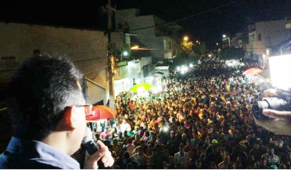 VÍDEOS: Em Lagoa Nova, Luciano, Iranildo e uma multidão comemoraram a vitória neste sábado (15)