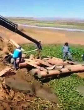 SITUAÇÃO CRÍTICA: Vídeo mostra dificuldade em instalar rede de captação flutuante da Adutora Serra de Santana na Barragem de Assú
