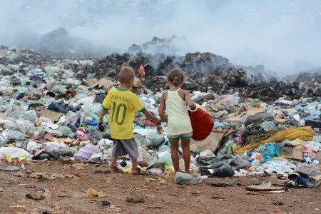 Os lixões são um dos grandes problemas do Brasil
