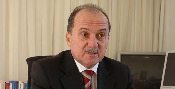 Desembargador, Cláudio Santos