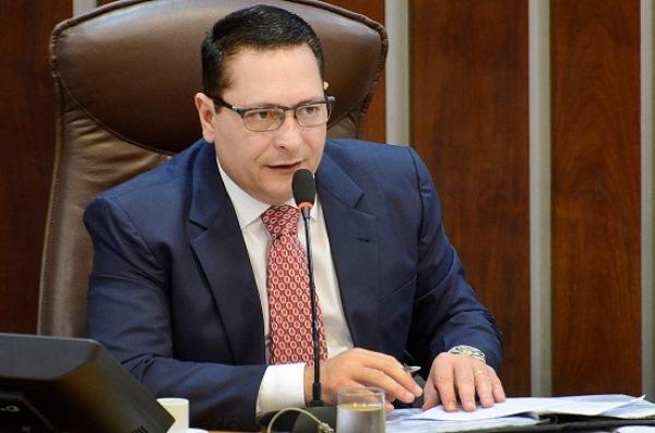 Presidente da Assembleia encaminha moção em prol da vaquejada ao STF