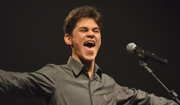 Humorista Lucas Veloso, filho de Shaolin, fará show hoje em Caicó