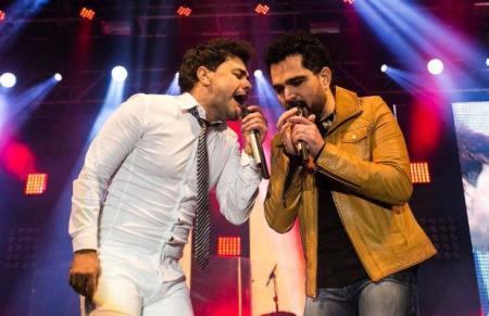 Na apresentação em Recife, o cantor demonstrou dificuldades para alcançar as notas mais altas