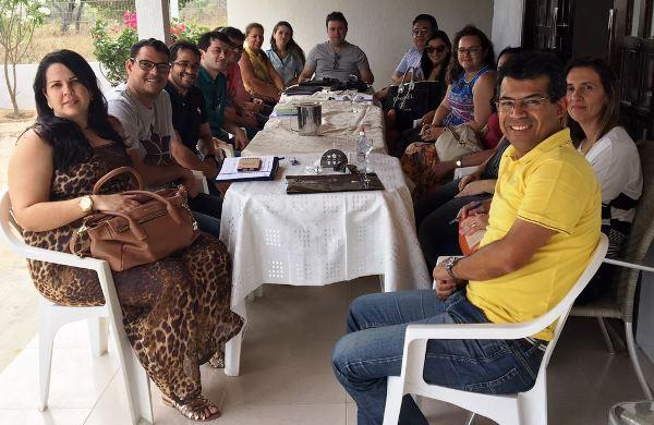 Luciano Santos reunido com equipe de transição