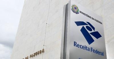 A partir das 9h de hoje (08), a Receita Federal libera para consulta o penúltimo lote regular de restituição do Imposto de Renda Pessoa Física 2016.