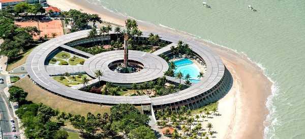 Hotel Tambaú  é um dos principais cartões postais de João Pessoa