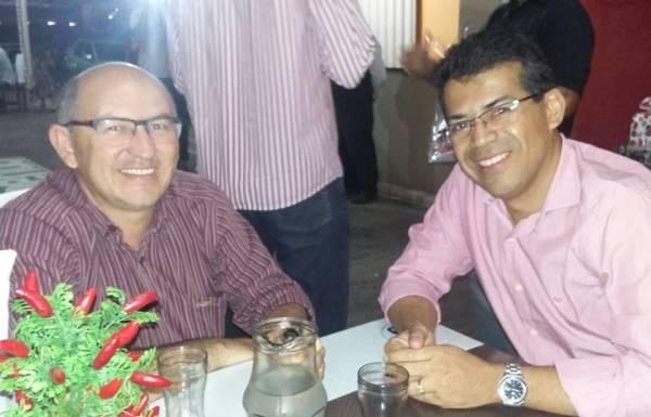 Atual prefeito João Maria e futuro prefeito Luciano Santos
