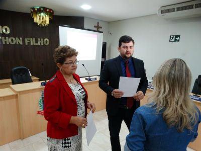 A presidente do legislativo, vereadora Zefinha Moura e o Procurador da Câmara, Francisco Filho.