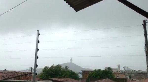 Chuva em Santa Cruz.